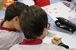 The students created storyboards of narratives related to the Spanish Civil War for the guided visit.
